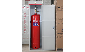 Single bottle cabinet-type heptafluoropropane fire extinguishing device